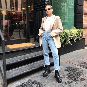 Levi's Boyfriend Cut Distressed high waist Jeans